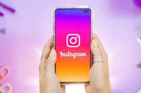 qui est la personne la plus suivie sur instagram 2