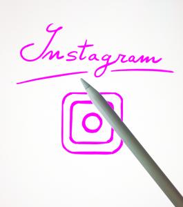 come si fa a fare la scritta arcobaleno su instagram 3
